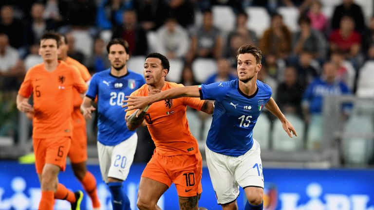 Memphis Depay and Daniele Rugani during the international friendly