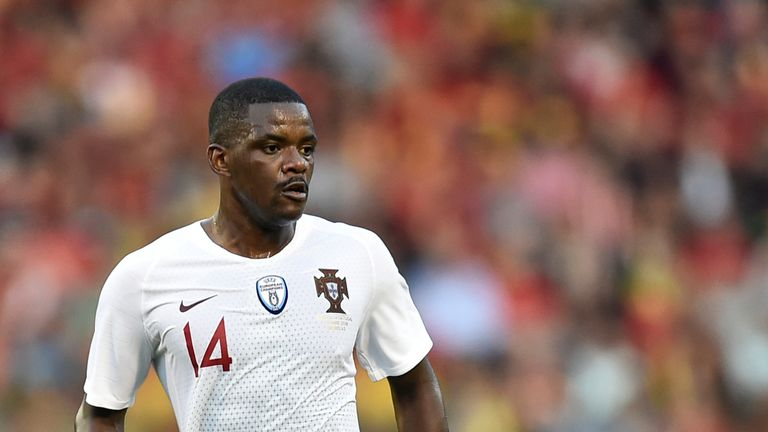 Portugal international William Carvalho has told Sporting Lisbon he wants to leave
