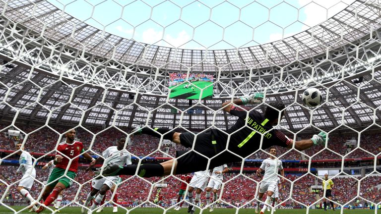 Rui Patricio makes an important save during the second-half