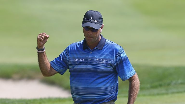 Stewart Cink raced to second after a career-best 62