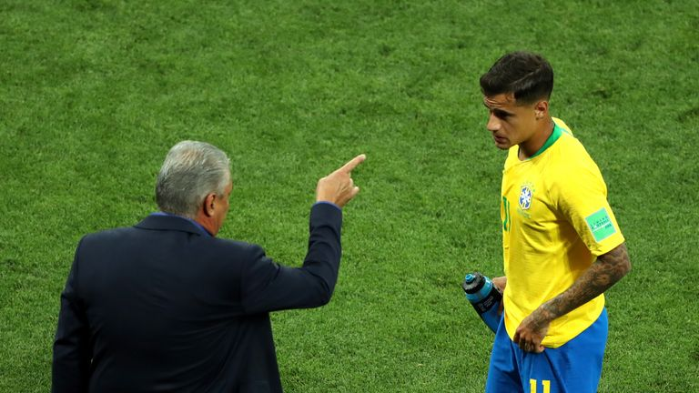 Tite gives instructions to Coutinho during the Group E match between Brazil and Switzerland
