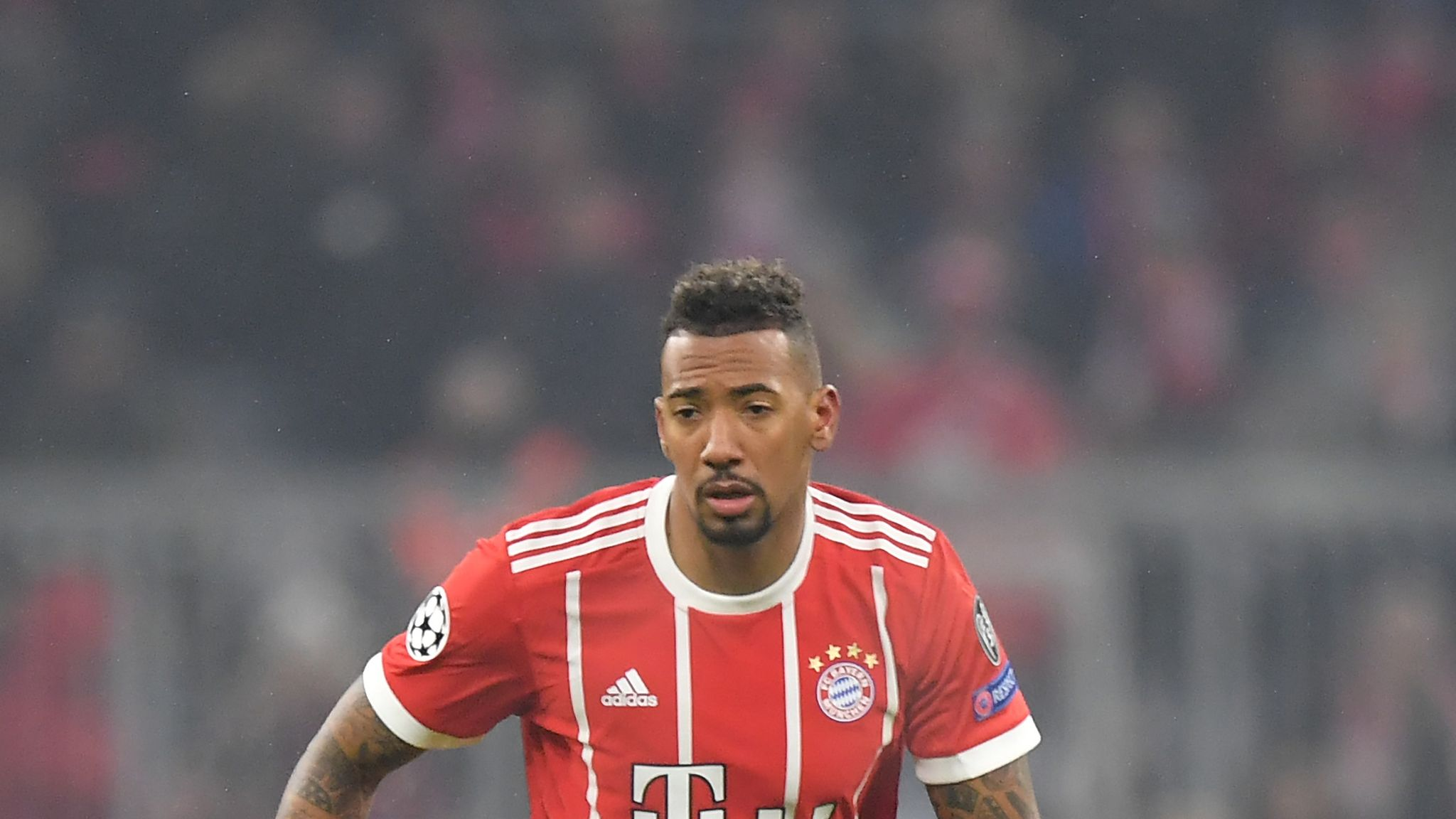 Jerome Boateng In Psg Talks Over Move From Bayern Munich Football