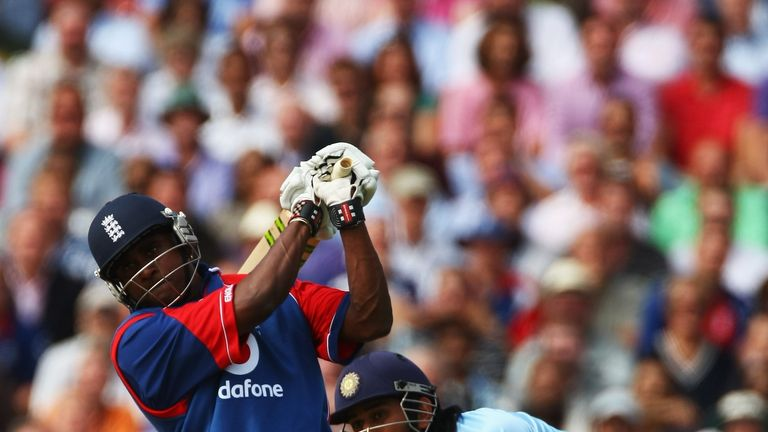 Dimi Mascarenhas smacks five sixes in a row in the final over against India at The Oval
