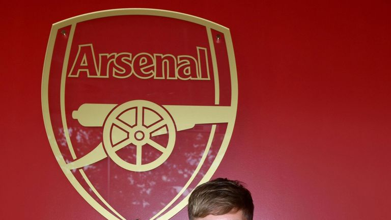 Emile Smith Rowe signs a new long term contract with Arsenal