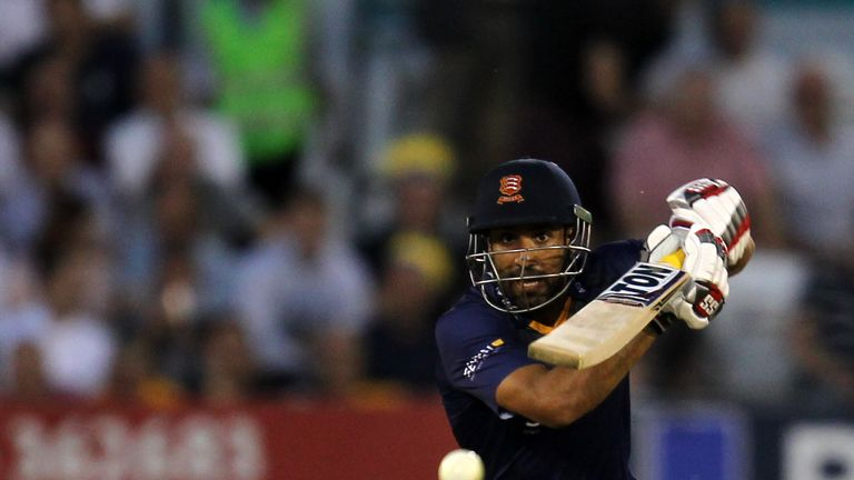 Ravi Bopara's innings of 39 was not quite enough to secure victory for Essex as they tied with Hampshire