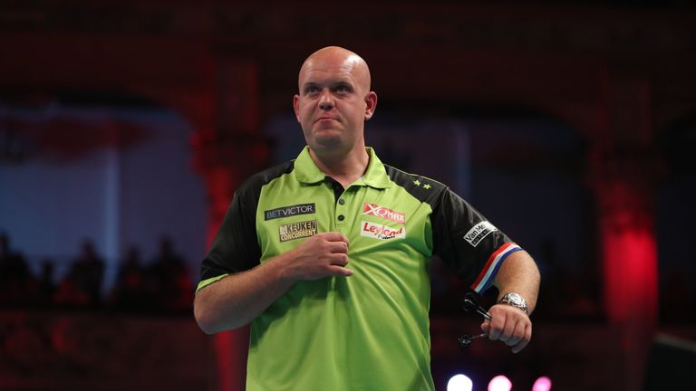 BET VICTOR WORLD MATCHPLAY 2018.WINTER GARDENS,.BLACKPOOL.PIC;LAWRENCE LUSTIG.ROUND1.MICHAEL VAN GERWEN V JEFFREY DE ZWAAN.MICHAEL VAN GERWEN IN ACTION