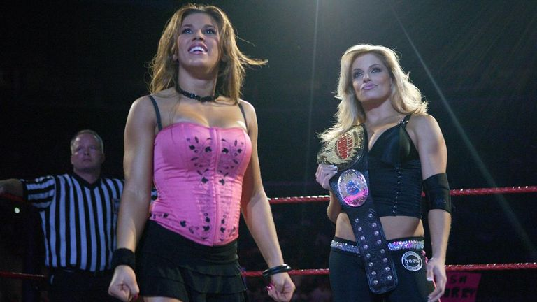 Mickie James is said to be willing to face Trish Stratus at WWE Evolution.