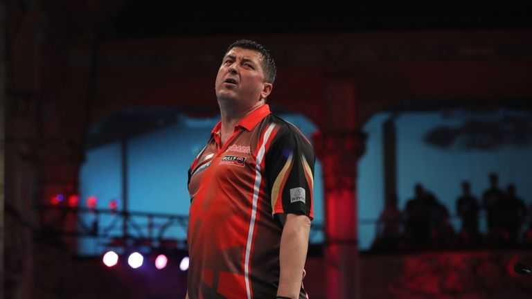 Suljovic suffered from a mid-game darting disaster on the doubles
