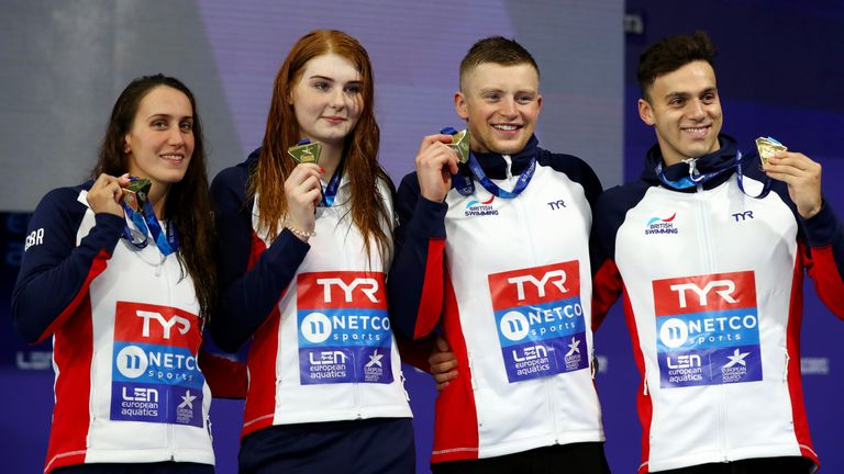 Great Britain pose with their gold medals after winning the 4 x 100m Medley Relay at the European Championships