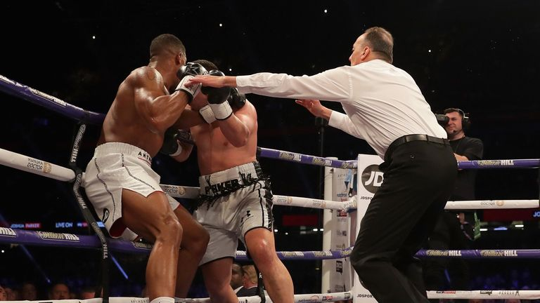 Joshua vs Parker was refereed by Italy's Giuseppe Quartarone