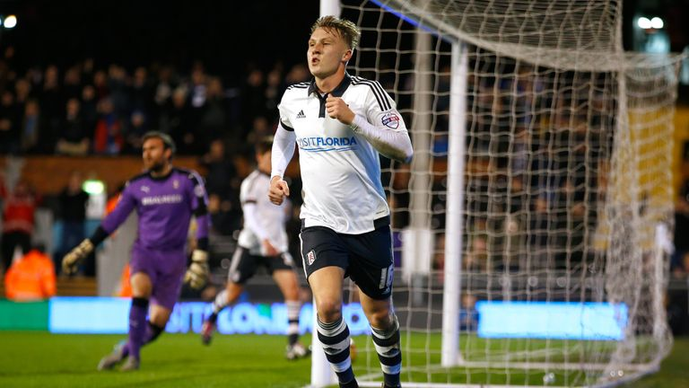 Barnsley have signed Cauley Woodrow from Fulham on loan