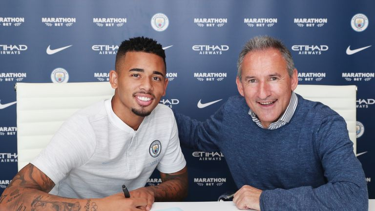Garbiel Jesus signs contract extension at Manchester City.