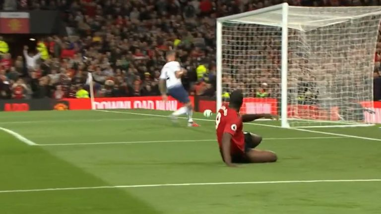 Romelu Lukaku missed an open goal after rounding Hugo Lloris in the first half