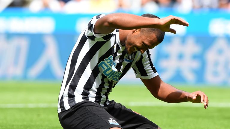 Salomon Rondon hit the bar on his Newcastle debut