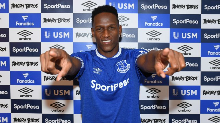 Everton Agree To Sign Yerry Mina From Barcelona