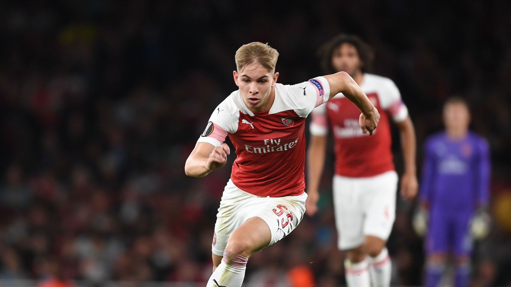 Emile Smith Rowe Gives Arsenal Debut Shirt To His Mum Football News Sky Sports
