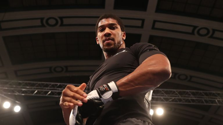 JOSHUA-POVETKIN PROMOTION.OPEN WORK OUTS,.YORK HALL..BETHNAL GREEN,.LONDON.PIC;LAWRENCE LUSTIG.ANTHONY JOSHUA PERFORMS A PUBLIC WORK OUT AS HE PREPARES FOR HIS FIGHT ON EDDIE HEARNS MATCHROOM PROMOTION AT WEMBLEY STADIUM ON SATURDAY(22-9-18).