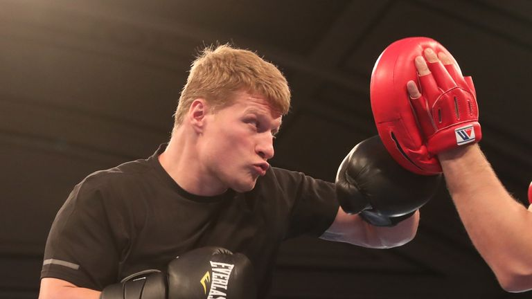 JOSHUA-POVETKIN PROMOTION.OPEN WORK OUTS,.YORK HALL..BETHNAL GREEN,.LONDON.PIC;LAWRENCE LUSTIG.ALEXSANDER POVETKIN.. PERFORMS A PUBLIC WORK OUT AS HE PREPARES FOR HIS FIGHT ON EDDIE HEARNS MATCHROOM PROMOTION AT WEMBLEY STADIUM ON SATURDAY(22-9-18).