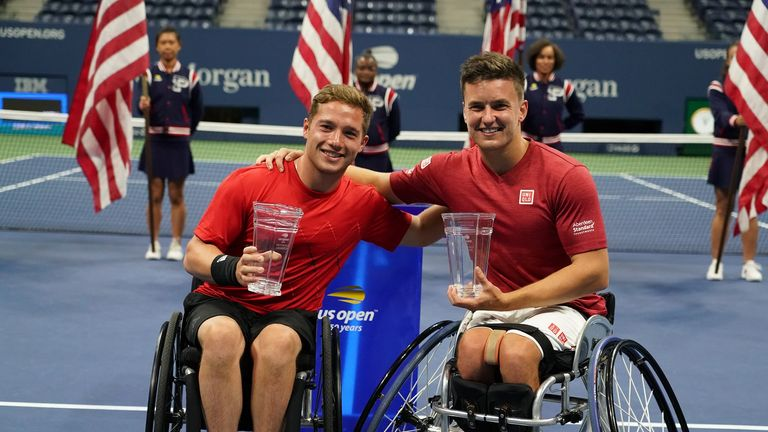 Hewett and Gordon Reid celebrate their 2018 US Open triumph (pic courtesy The Tennis Foundation)
