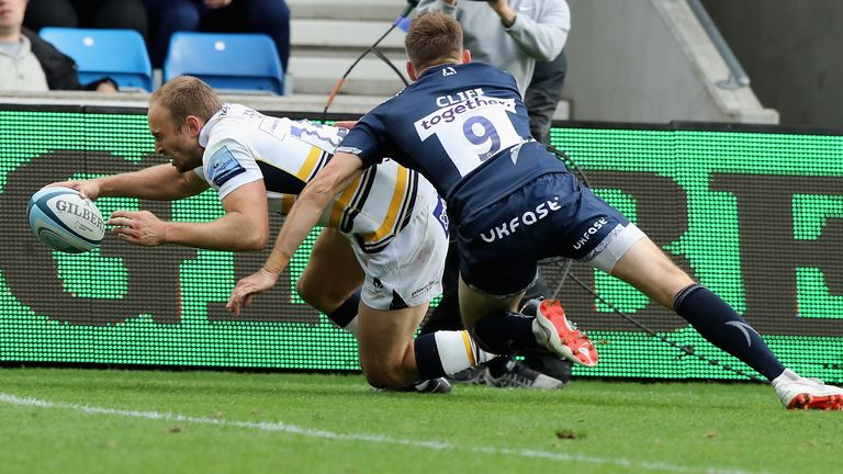 Chris Pennell scored a late try for the Warriors at the AJ Bell