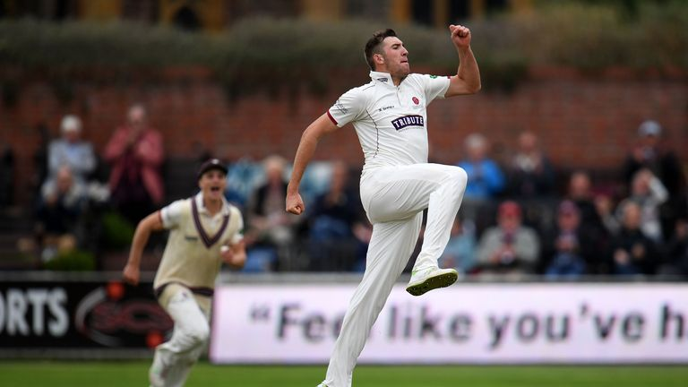Craig Overton helped Division One leaders Somerset fight back against Warwickshire