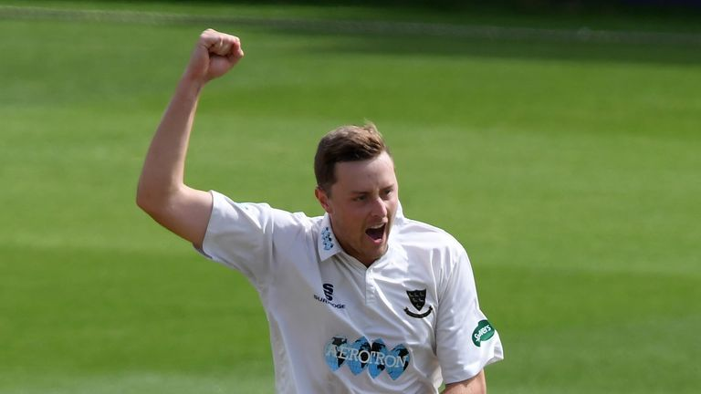 Robinson's five wickets kept Sussex in command of their game against Leicestershire