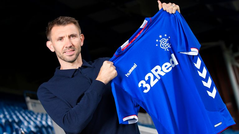 Rangers sign Gareth McAuley on a one year contract
