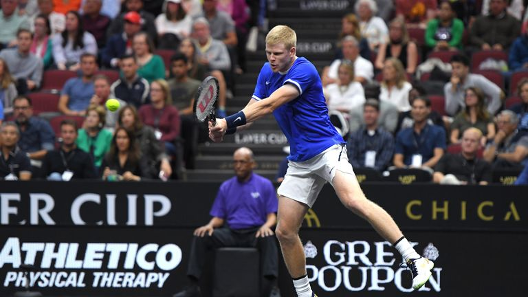 Edmund v Sock: Highlights of the second match of the Laver Cup