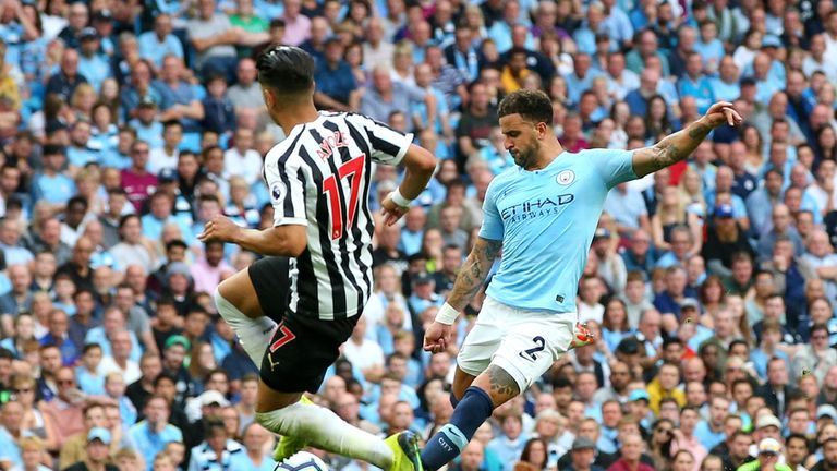 Kyle Walker scores from distance to give Manchester City a 2-1 lead