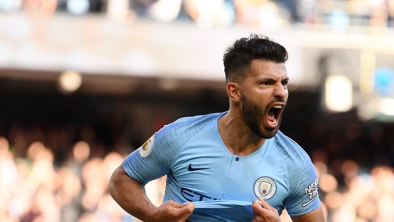 Sergio Aguero celebrates putting Manchester City 2-0 up