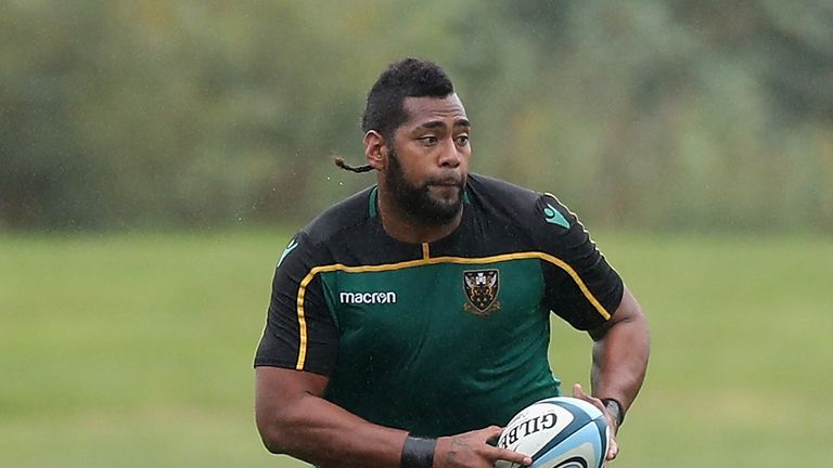 Taqele Naiyaravoro runs with the ball during the Northampton Saints training session