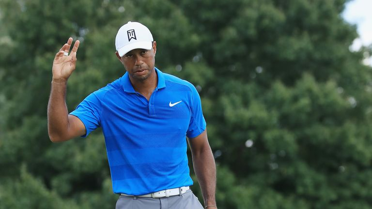 Tiger Woods leads at Tour Championship