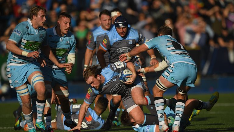The blatant kit clash at Cardiff Arms Park on Sunday was a major blunder