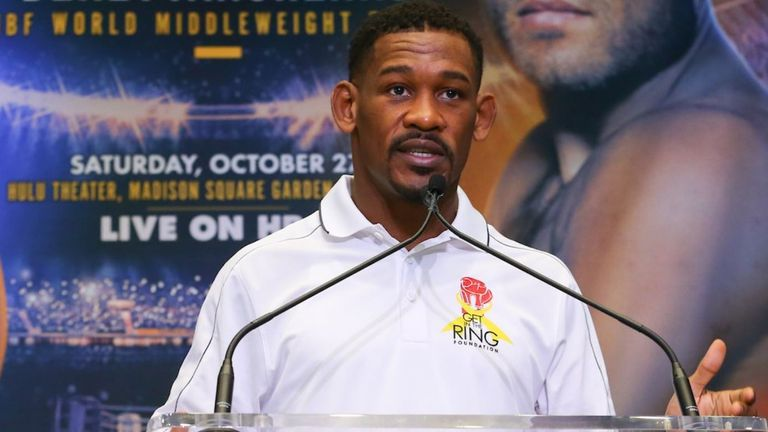 Jacobs grabs IBF middleweight title with split decision win