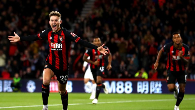 BOURNEMOUTH, ENGLAND - OCTOBER 01:  David Brooks of AFC Bournemouth celebrates after he scores his sides first goal during the Premier League match between AFC Bournemouth and Crystal Palace at Vitality Stadium on October 1, 2018 in Bournemouth, United Kingdom.  (Photo by Michael Steele/Getty Images)