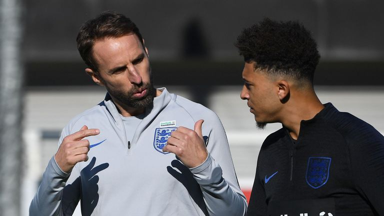 Gareth Southgate issues instructions to Jadon Sancho in England training