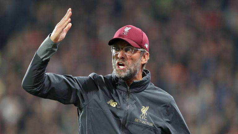 Liverpool manager Jurgen Klopp shows his frustration on the touchline