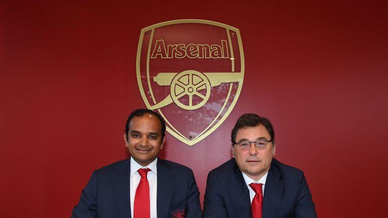 Arsenal Managing Director, Vinai Venkatesham (L) with Arsenal Head of Football, Raul Sanllehi (R)