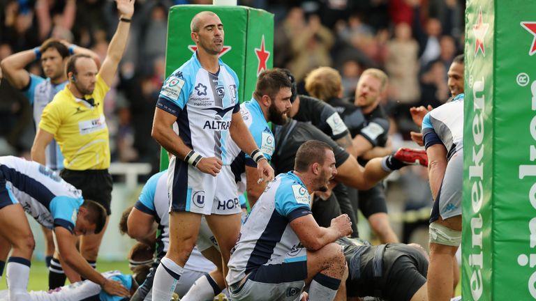 Ruan Pienaar of Montpellier looks dejected after Callum Chick's try
