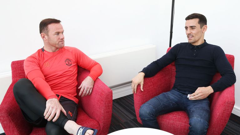 Wayne Rooney has given his backing to fellow Mancunian Anthony Crolla