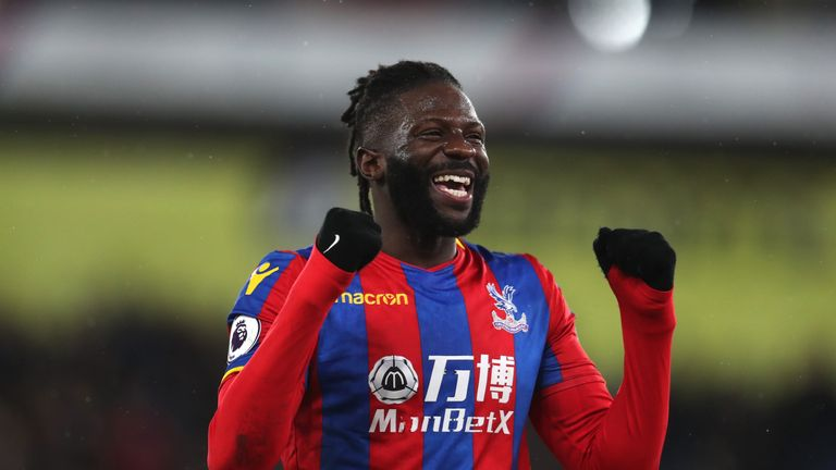 West Brom have signed former Crystal Palace midfielder Bakary Sako on a season-long contract.