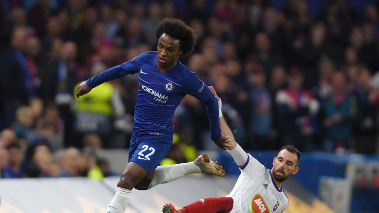 Willian in action during the match against MOL Vidi FC