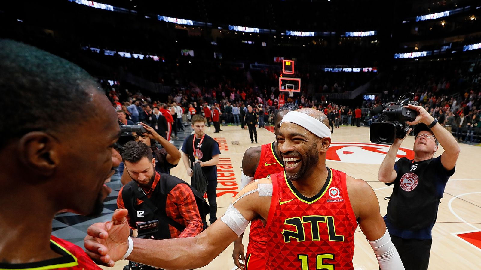 Vince Carter says he will return for record 22nd NBA ...