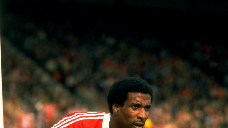 Anderson started out his career at his local club Nottingham Forest, making 328 appearances and scoring 15 goals