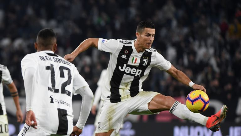 Cristiano Ronaldo set up Juventus' third for Juan Cuadrado