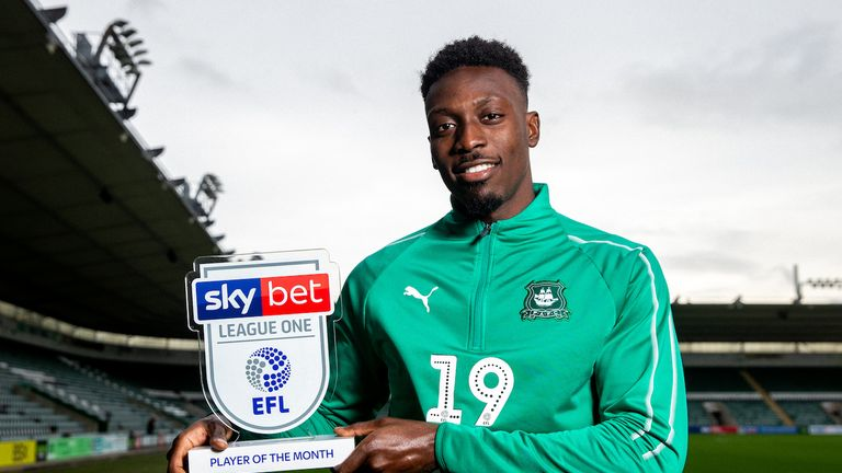 Freddie Ladapo of Plymouth Argyle is presented with the Sky Bet League One Player of the Month Award for October 2018 - Rogan/JMP - 08/11/2018 - FOOTBALL - Home Park - Plymouth, England.