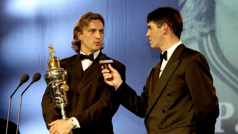 Ginola won the PFA Players' Player of the Year in 1998/99