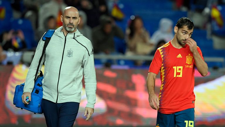 Jonny walks off the pitch after injuring his knee for Spain against Bosnia