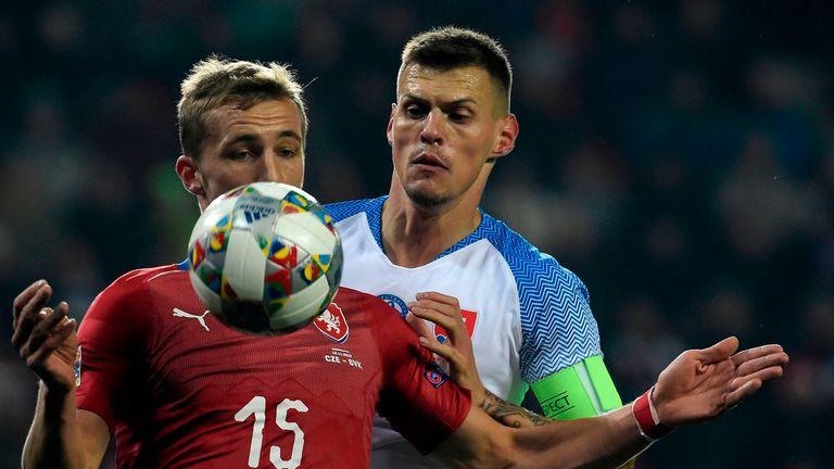 Fotbalisté jako Souček, Coufal či Kalas mají zkušenosti s ostrovní kopanou i z klubů