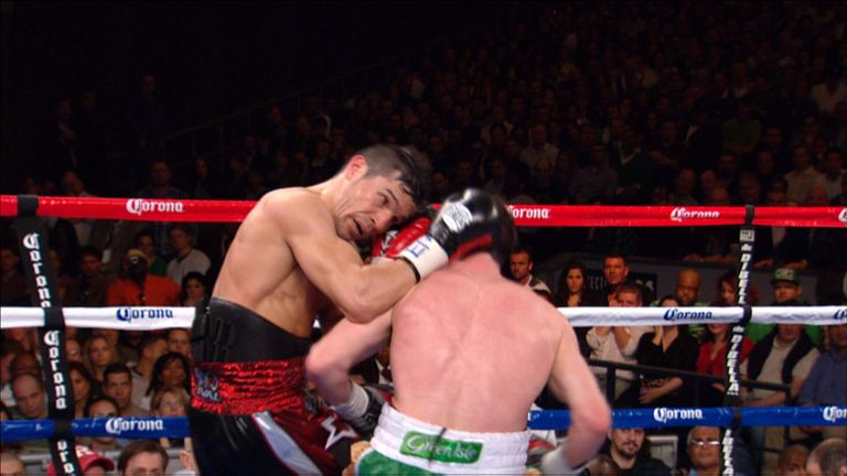 Martinez and Macklin battle up close